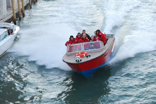 Barca a fuoco al largo di Caorle | Velaveneta.it
